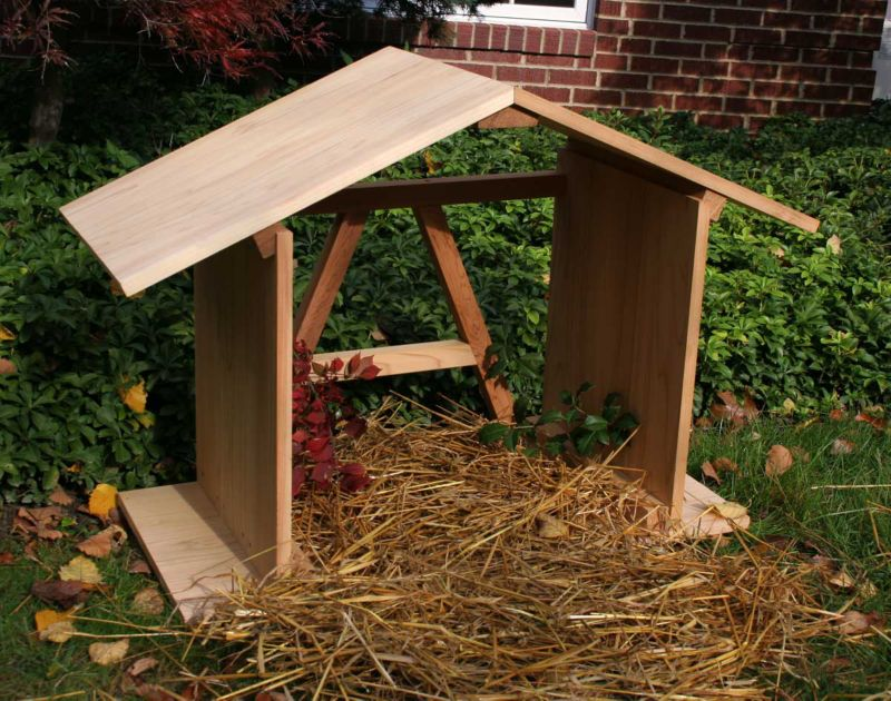 Cedar Manger with Open Back 4Ft