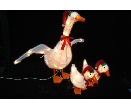 Christmas Pre-Lit Goose Family Set Of 3