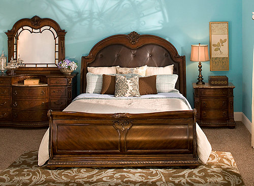 Wilshire 4 Pc Queen Bedroom Set Bedroom Sets Raymour And Flanigan Furniture