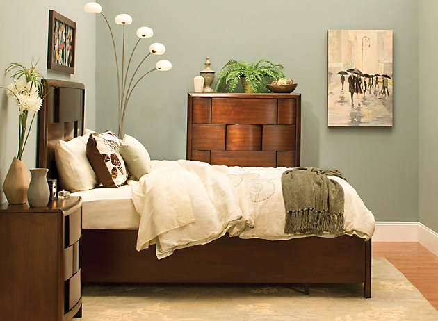 Small bedroom solutions raymour and flanigan furniture for Small bedroom furniture solutions