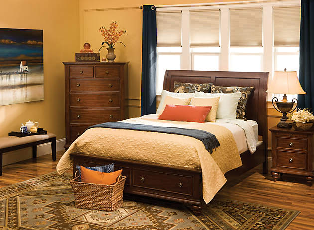 color story decorating with blue split complementary