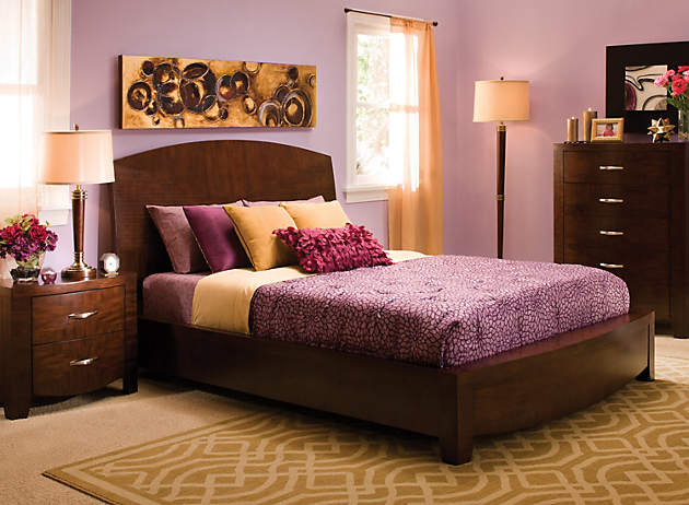 Color story decorating with yellow split complementary for Split bedroom