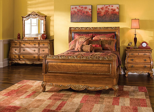 Versailles 4-pc. Queen Bedroom Set | Bedroom Sets | Raymour and