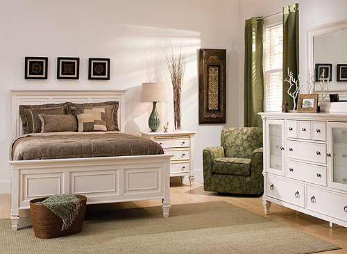 Somerset 4-pc. Queen Bedroom Set | Bedroom Sets | Raymour and Flanigan ...