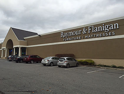Raymour and flanigan reading store pennsylvania for Furniture reading pa