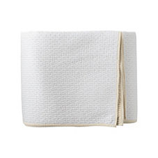 Lodge Quilt & Sham – White