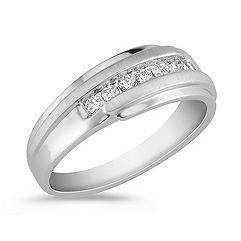 1/4 ct t.w. Round Diamond Wedding Band