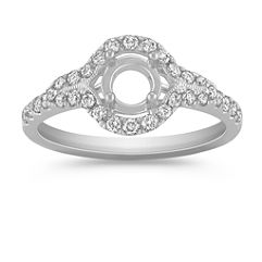 Halo Diamond Engagment Ring with Pavé Setting