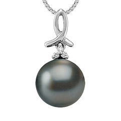 10mm Cultured Tahitian Pearl and Diamond Pendant (18 in.)