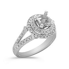 Halo Vintage Diamond Engagment Ring in Platinum