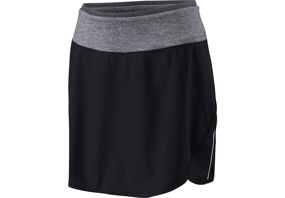 スカート(またはショートパンツ)