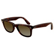 Ray-Ban Original Wayfarer Polarized Sunglasses, Brown, medium