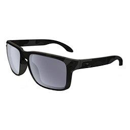 Oakley Holbrook Polarized Sunglasses, Multicam Black-Gray Polarized, 256