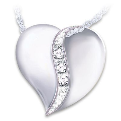 """I Love You Mom"" Engraved Diamond Pendant Necklace"
