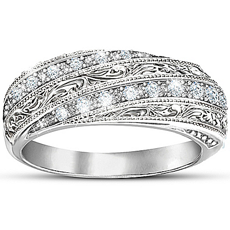 Women's Ring: Diamond Elegance