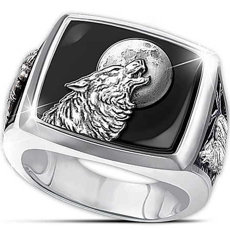 Wolf Decor Ring: Into The Wild Men's Stainless Steel And Black Onyx Wolf Ring