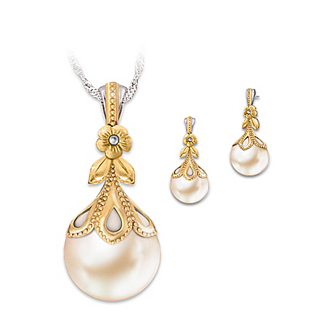 Gilded Age Cultured Freshwater Pearl Pendant Necklace And Earrings Set