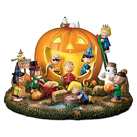 The Snoopy PEANUTS Great Pumpkin Carving Party Halloween Sculpture