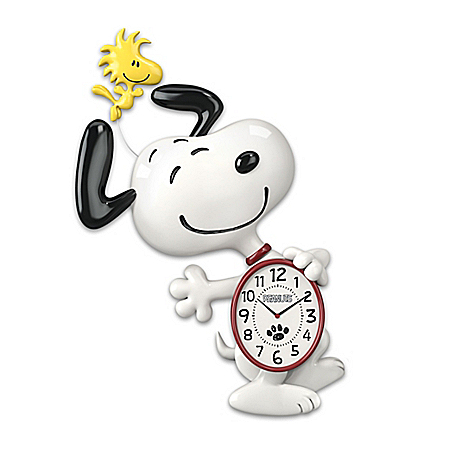 PEANUTS Snoopy Motion Wall Clock