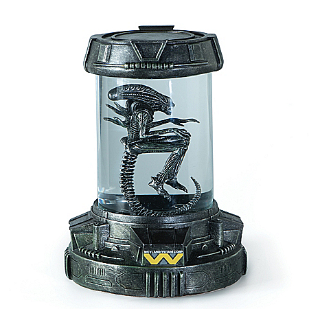 Aliens Xenomorph Specimen Illuminated Sculpture