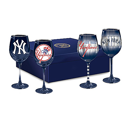 Yankees Pride Wine Glass Set And Satin-Lined Gift Box