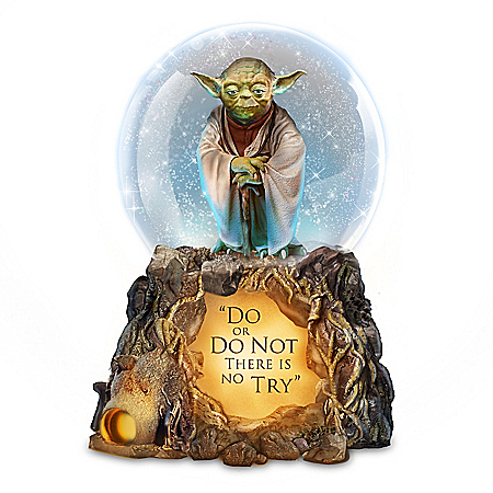STAR WARS Jedi Master Yoda Illuminated Musical Glitter Globe