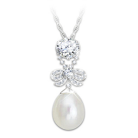 Marie Antoinette Simulated Diamond And Pearl Pendant Replica