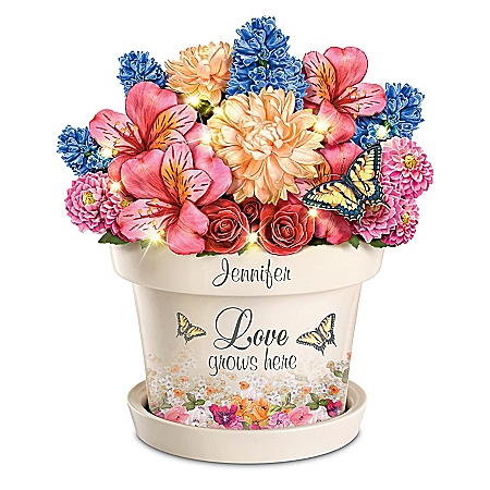 Love Grows Here Personalized Table Centerpiece – Personalized Jewelry