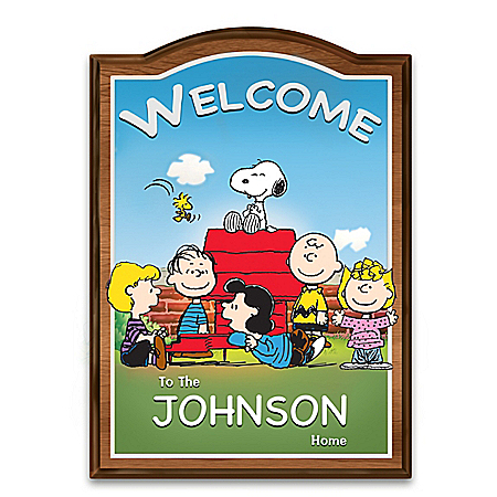 PEANUTS Welcome Sign Personalized With Your Family Name