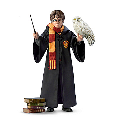 HARRY POTTER Ultimate Year One Portrait Figure With 6 Sculpted Accessories