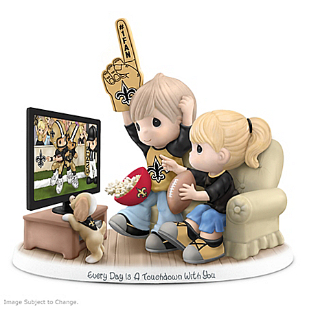 Figurine: Precious Moments Every Day Is A Touchdown With You Saints Figurine