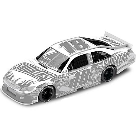 NASCAR Collectibles NASCAR Kyle Busch No. 18 Snickers Ice 2011 Diecast Car