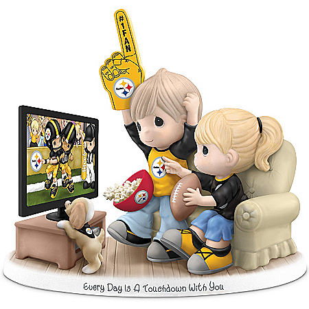 Figurine: Precious Moments Every Day Is A Touchdown With You Steelers Figurine
