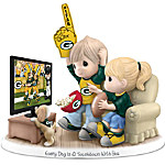 Figurine - Precious Moments Every Day Is A Touchdown With You Packers Figurine