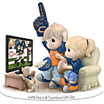 Figurine - Precious Moments Every Day Is A Touchdown With You Bears Figurine
