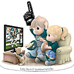 Figurine - Precious Moments Every Day Is A Touchdown With You Eagles Figurine