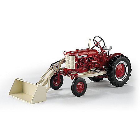 Diecast: Farmall 560 Cub With One Arm Loader Diecast Tractor