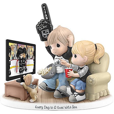 Precious Moments Collectibles Figurine: Precious Moments Every Day Is A Goal With You Los Angeles Kings® Figurine