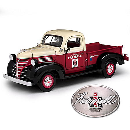 1:24-Scale IH Farmall 1941 Plymouth Diecast Truck With Opening Doors And Belt Buckle