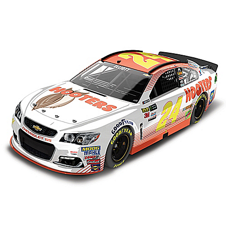 Chase Elliott No. 24 Hooters 2017 NASCAR Lionel Racing Diecast Car