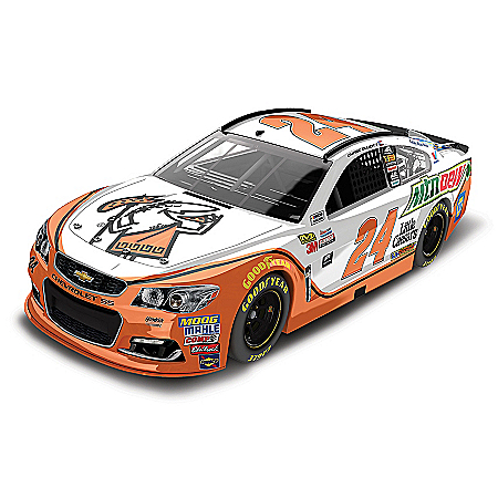 Chase Elliott No. 24 Mountain Dew/Little Caesars 2017 NASCAR 1:24-Scale Diecast Car