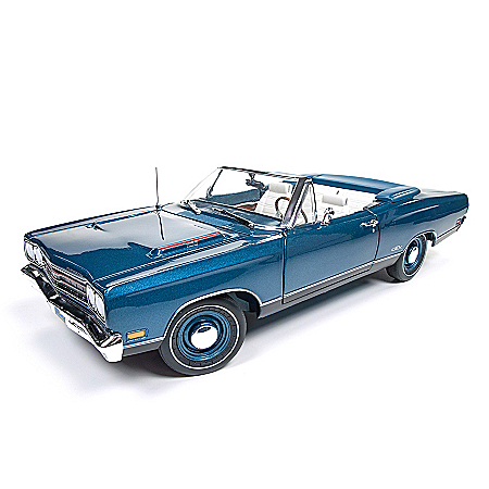 American Muscle 1:18-Scale 1969 Plymouth GTX Convertible Diecast Car