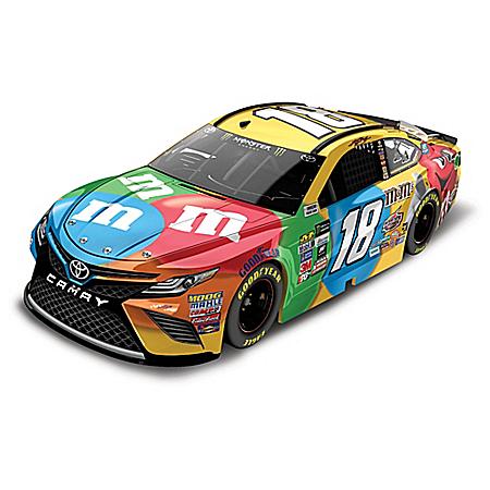 Kyle Busch No. 18 M&M'S Brand 2017 NASCAR Lionel Racing Diecast Car