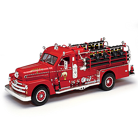 1:24-Scale Seagrave Model 750 1958 Fire Engine Diecast Truck With Fireman Accessories
