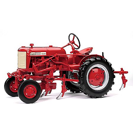 Farmall Cub With Cultivator 1:16 Scale Diecast Tractor