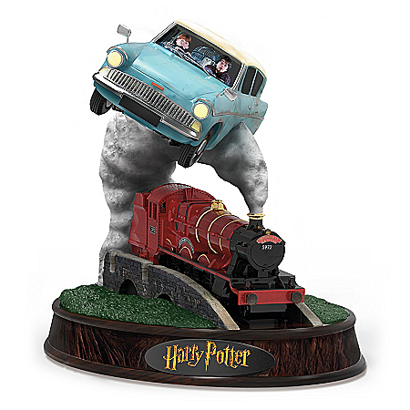 HARRY POTTER Flying Ford Anglia Hand-Painted Figurine With The Hogwarts Express