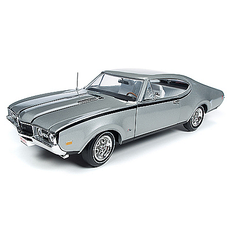 1:18-Scale 1968 Oldsmobile Cutlass Diecast Car