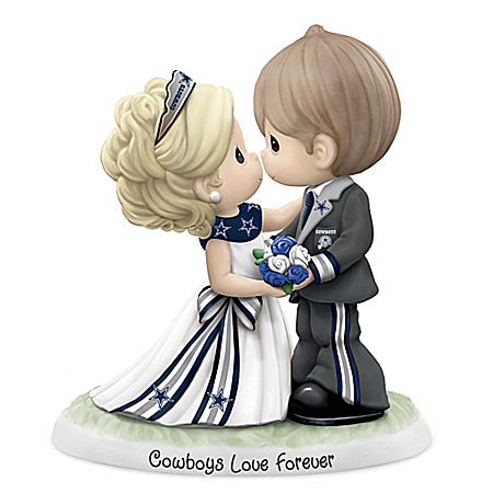 Precious Moments Dallas Cowboys Love Forever NFL Bisque Porcelain Figurine