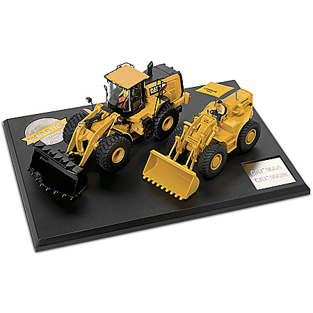 1:50 Scale Caterpillar Wheel Loader Set of 2 Diecast Tractors and Collector Book