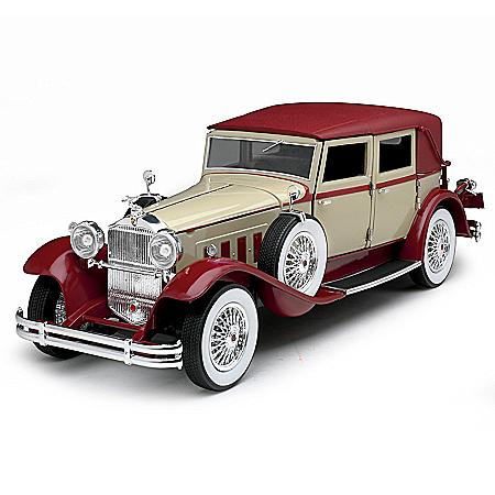 1:18-Scale 1930 Packard LeBaron Two-Tone Diecast Car